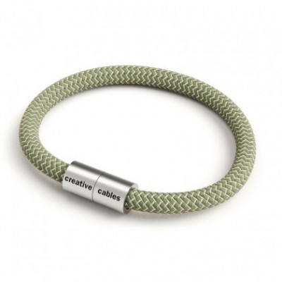 Bracelet with Matt silver magnetic clasp and RD72 cable
