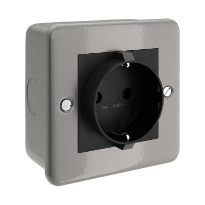 Metal clad box with Schuko socket for Creative-Tube